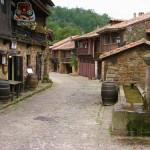De paseo por Bárcena Mayor en Cantabria