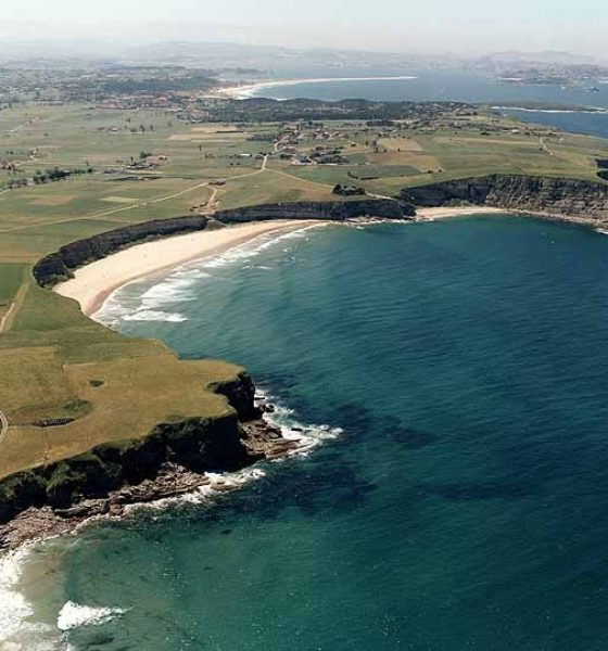 Ribamontán al Mar el paraíso del surf en Cantabria